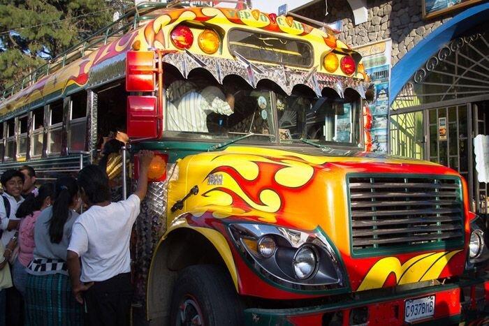 Куриные автобусы в Латинской Америке. (22 Фото)