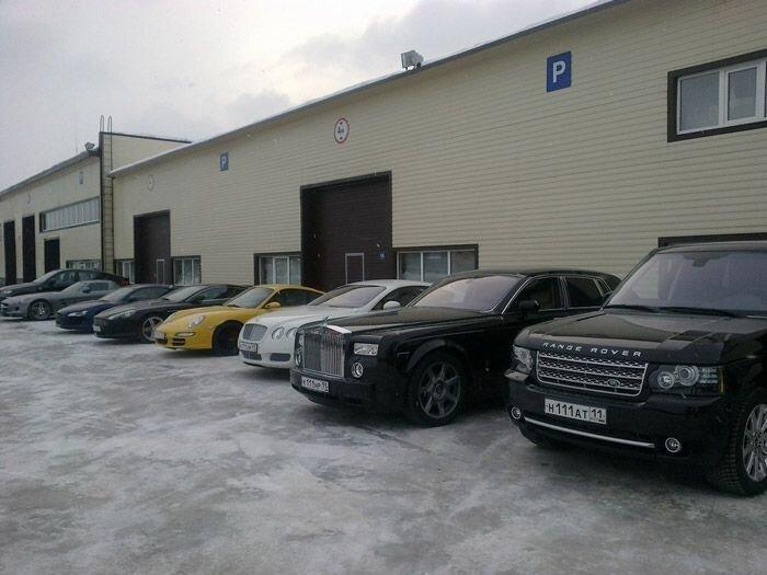 Крутой гараж из Республики Коми (5 Фото)