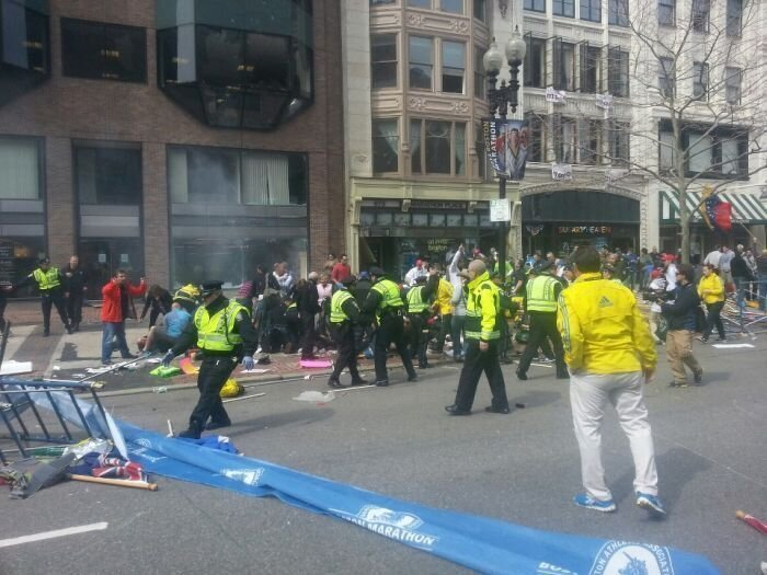 Теракт в Бостоне (36 фото + 7 видео)
