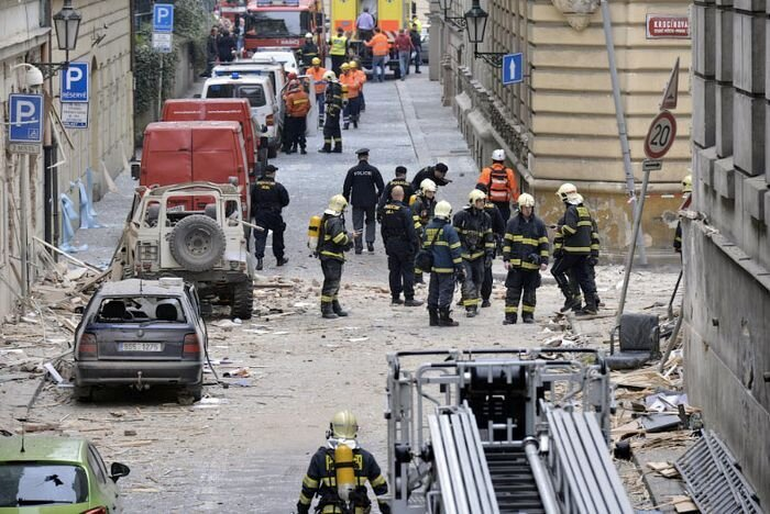 Взрыв газа в Праге (17 фото)