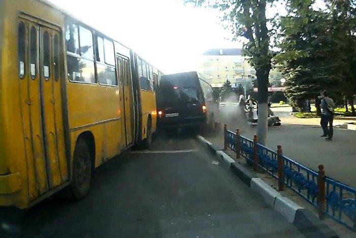 Авария дня часть 1031 (фото+видео)