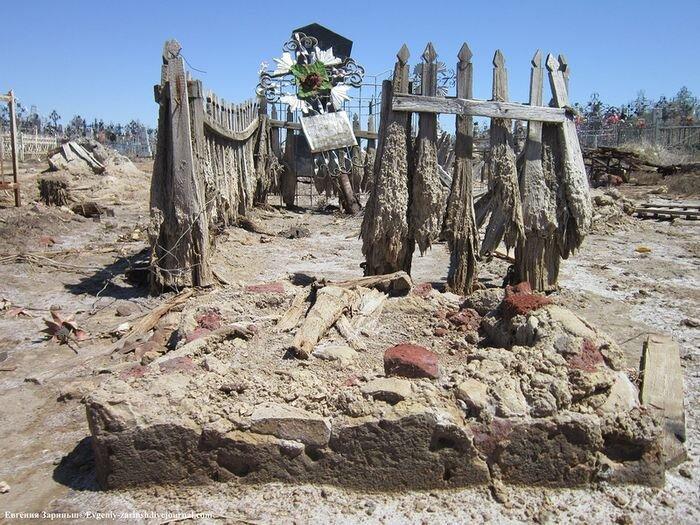 Старое кладбище в Астрахани (11 фото)