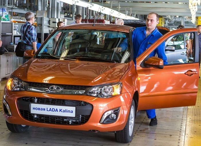 На АвтоВАЗе началось серийное производство Lada Kalina-2 (16 фото)