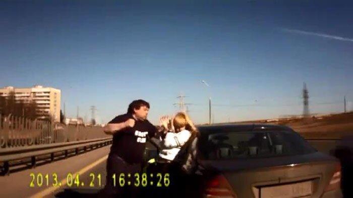 Конфликт на дороге (видео)