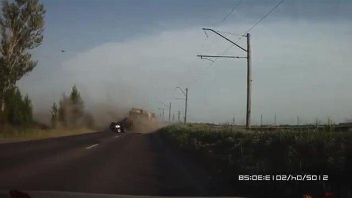 Авария дня часть 1043 (6 фото+видео)