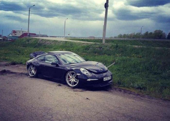 Porsche 911  разбит во время тест-драйва (10 фото)