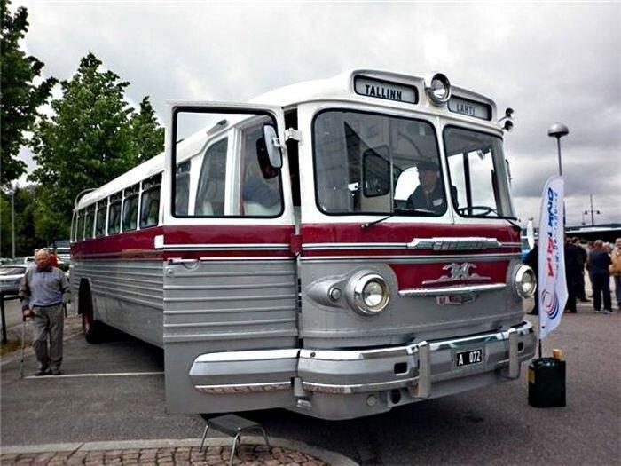 Советский автобус ЗиС-127 (20 фото)