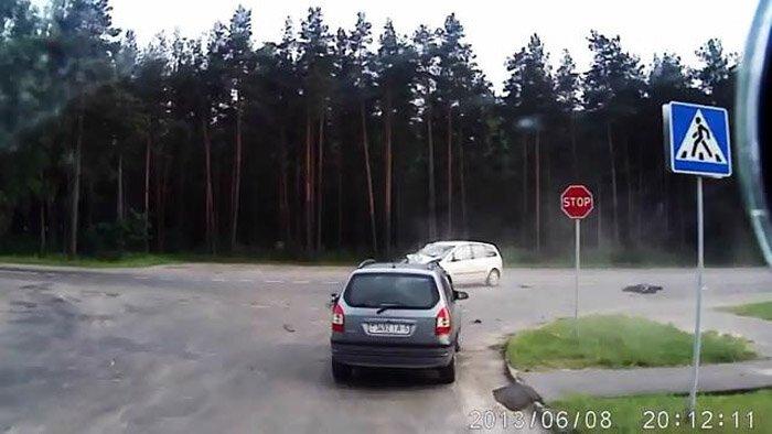 Авария дня часть 1076 (фото+видео)