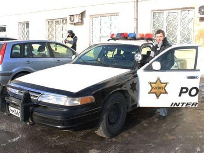 Парень из Тулы купил автомобиль полиции США (7 фото)