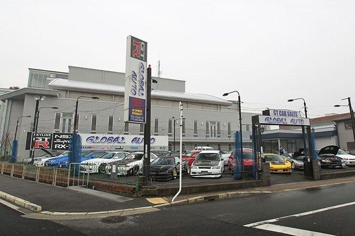 Салон тюнингованных авто в Японии (27 фото)