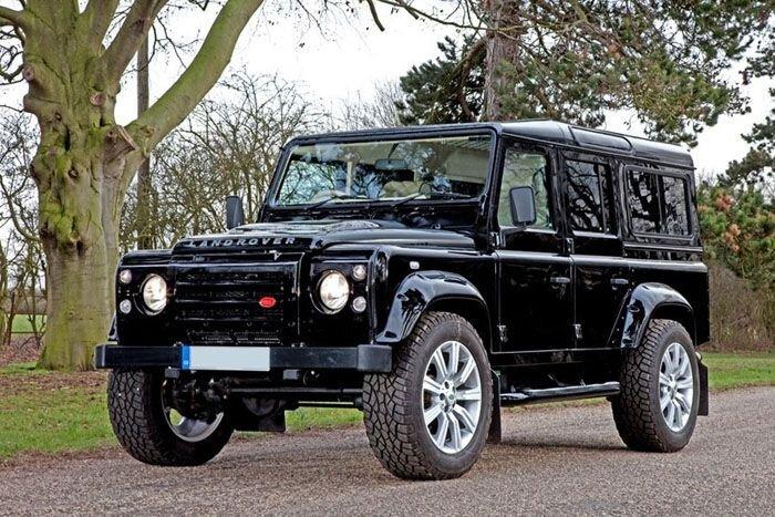 В ателье Carisma Auto Design прокачали бронированный Land Rover Defender (8 фото)