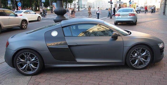 Audi на тротуаре в Санкт-Петербурге (8 фото)
