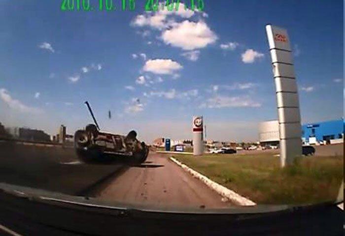 Авария дня часть 1110 (6 фото+видео)