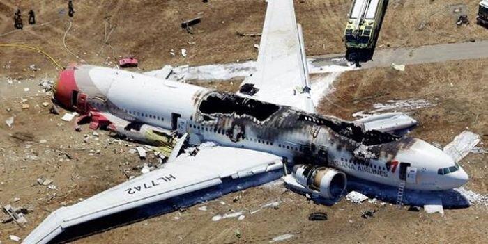 В аэропорту Сан-Франциско разбился Boeing 777 (6 фото+видео)