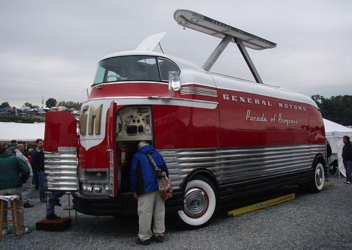 Автобусы будущего из прошлого (22 фото)