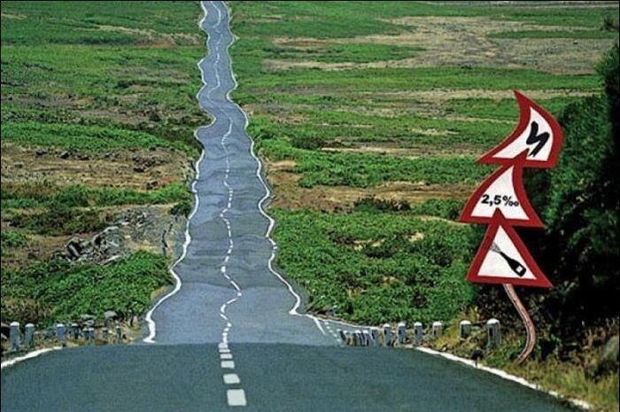 Нелепые автомобильные законы (2 фото)