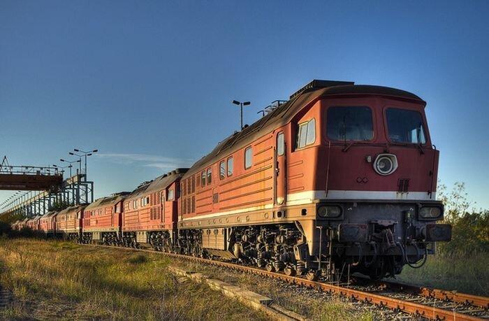Кладбища поездов по всему миру (42 фото)