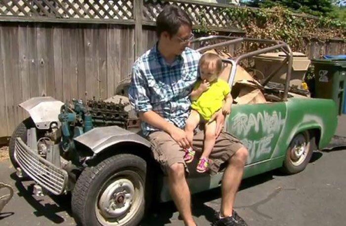 Годовалая девочка приобрела на аукционе кабриолет (5 фото+видео)