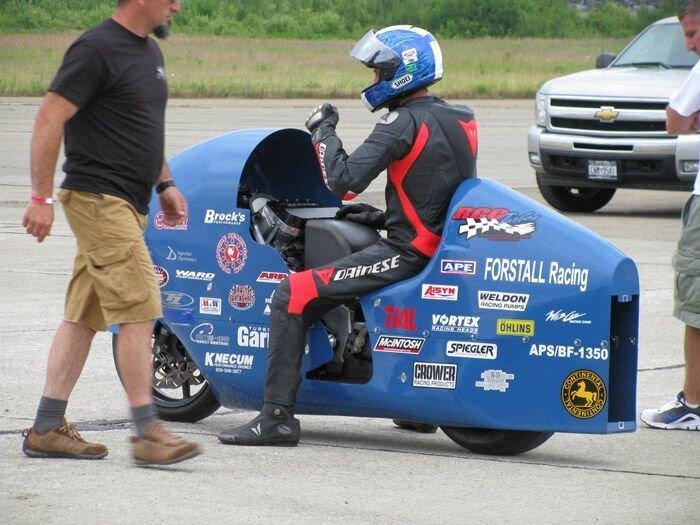 Погиб обладатель мирового рекорда скорости на мотоцикле (5 фото+видео)