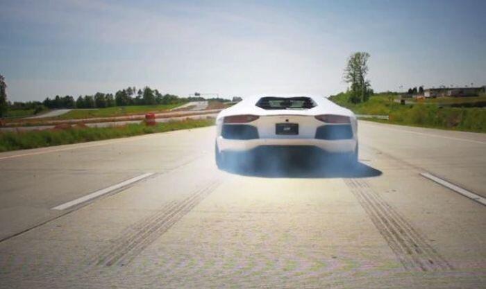 Самые неэкологичные автомобили в мире (9 фото)