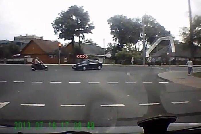 Авария дня часть 1125 (6 фото+видео)