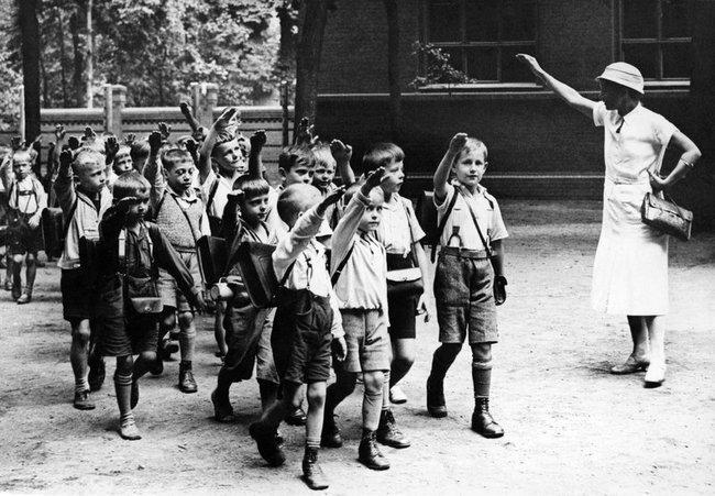 История ХХ века в черно белой фотографии.(71 фото)