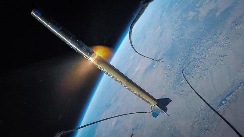 Завораживающее видео: GoPro на борту ракеты засняли полет в космос и возвращение на Землю