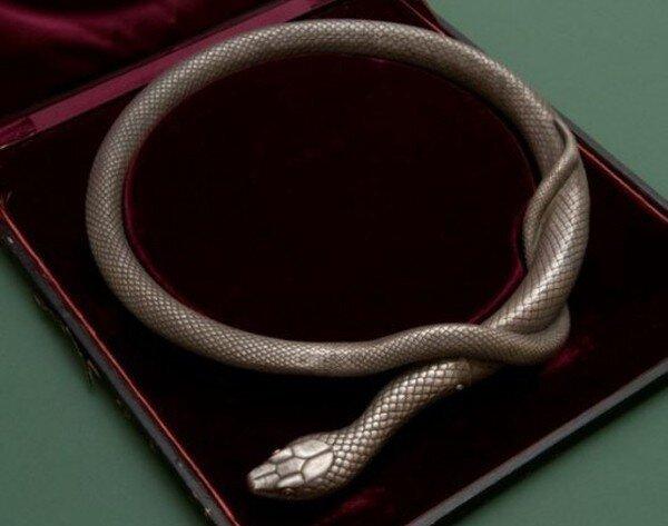 Шпага в форме змеи (5 фото)
