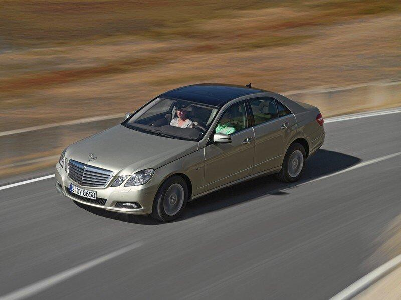 Mercedes Benz E-Класса 2009 года (18 фото)