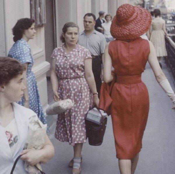 Модели Dior в СССР (12 фото)