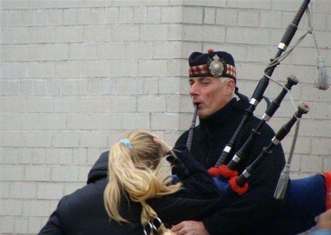 Волынщик-бурундук (10 фото)