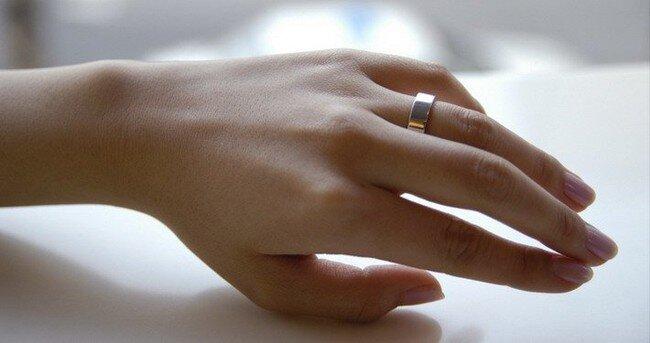 Обручальное кольцо не для неженок (5 фото)