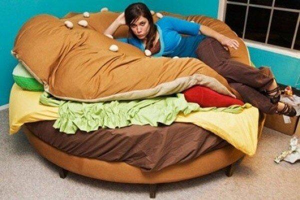 Кровать-бургер (3 фото)