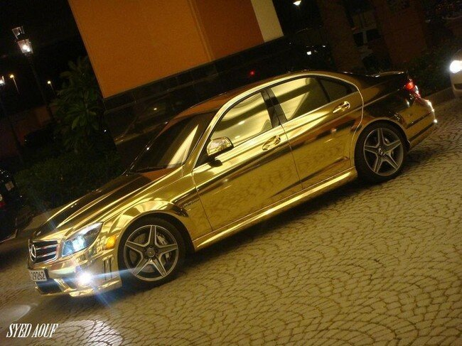 Золотой Mercedes (5 фото)