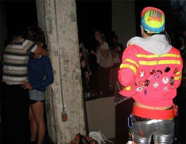 Звезда клубной вечеринки (4 фото)