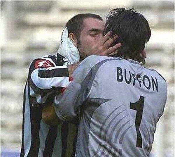 Футбольная любовь (18 фото)