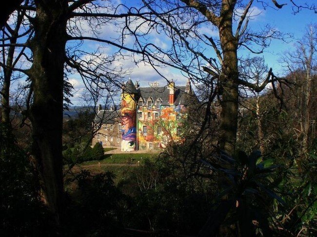 Разрисованный замок (15 фото)