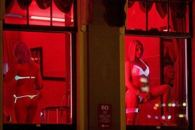 Девушки на Улице Красных Фонарей (46 фото)