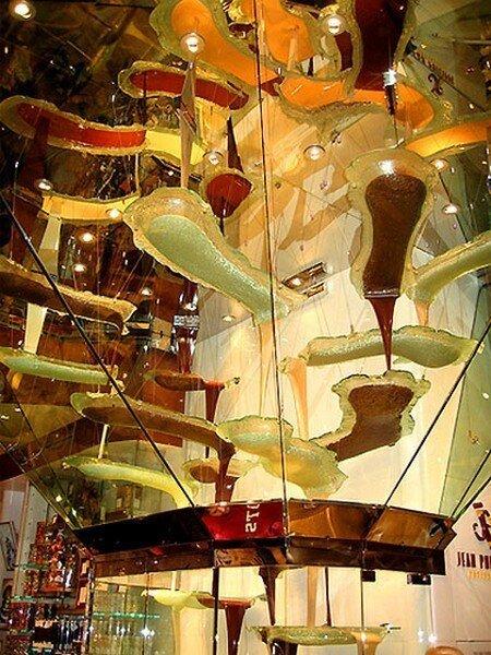 Самый большой в мире шоколадный фонтан (8 фото)