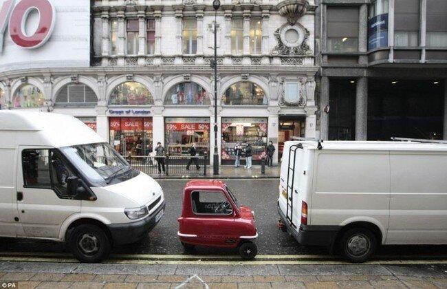 Крошечная машинка (3 фото)