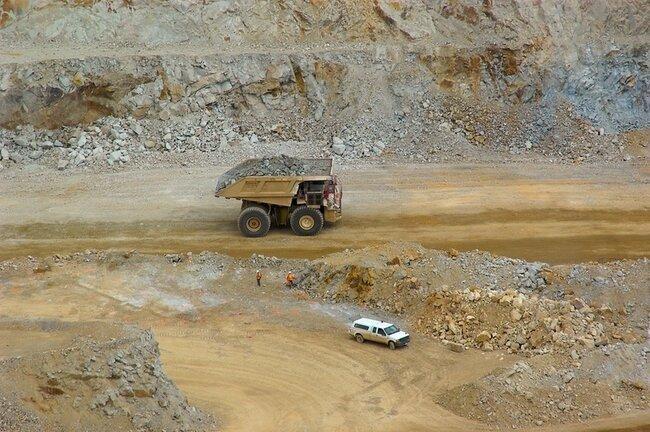 Очень большие грузовики (33 фото)