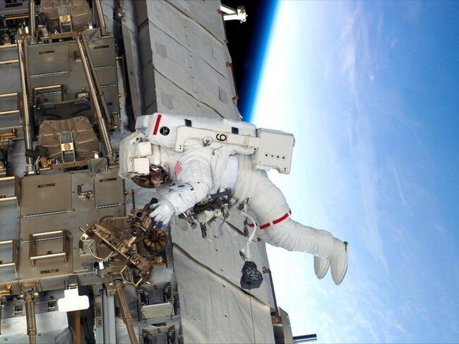 На орбите (11 фото)