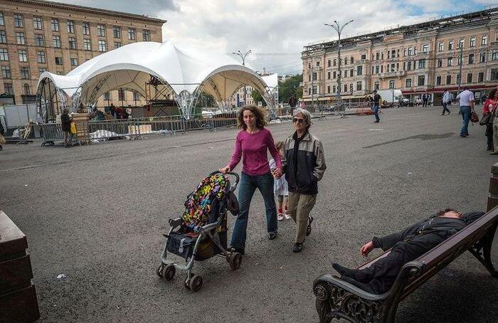 История триумфальной площади (11 фото)