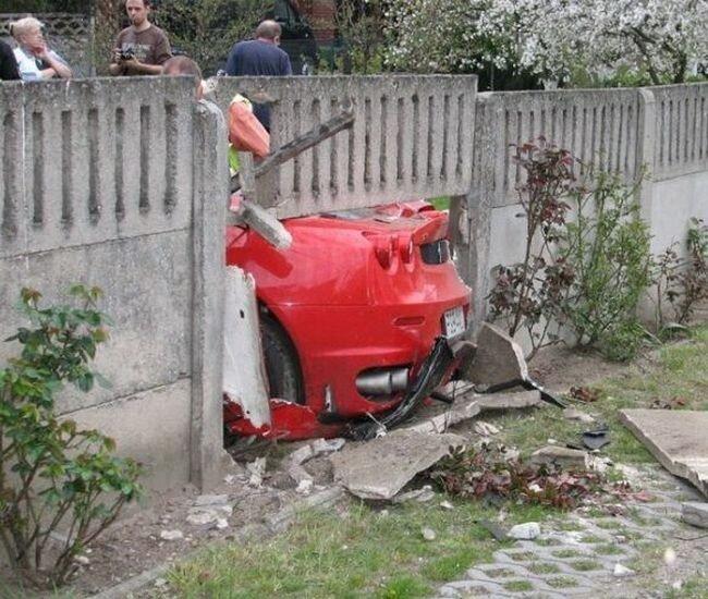 Гибель Ferrari в Польше (19 фото)