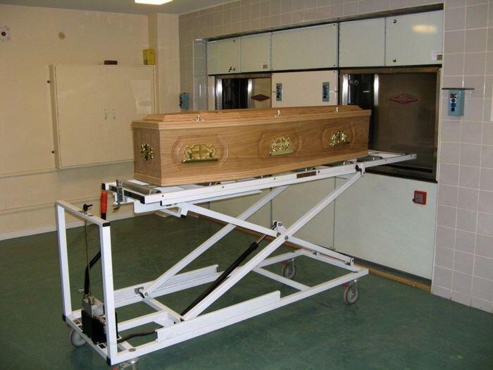 Крематорий по-американски (15 фото)