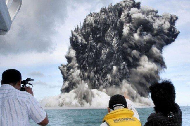 Могучий вулкан (11 фото + видео)
