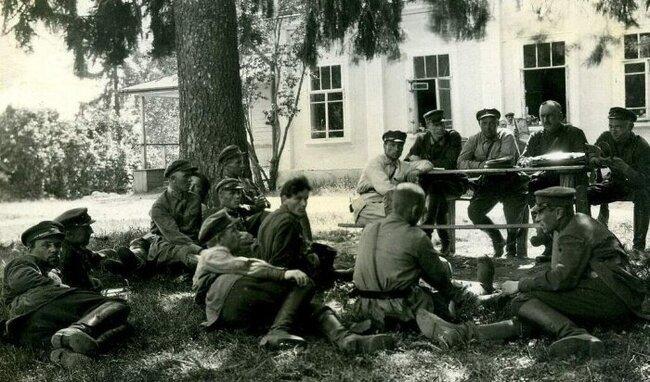 Наша история. На заре советской власти (19 фото)