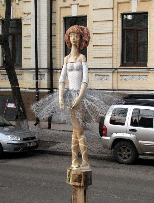 Необычные скульптуры в Киеве (9 фото)