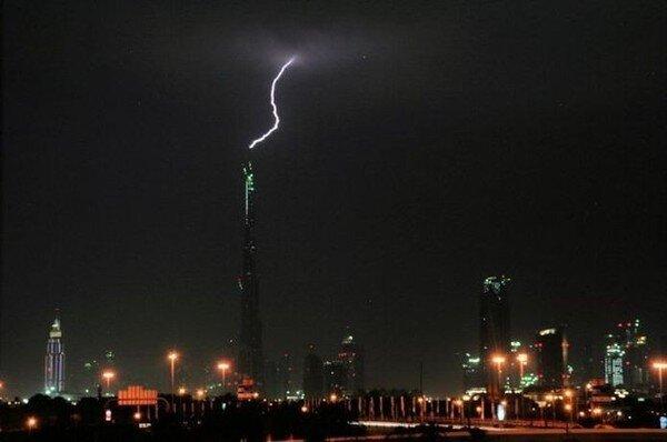 Гроза в Дубаи (7 фото + видео)