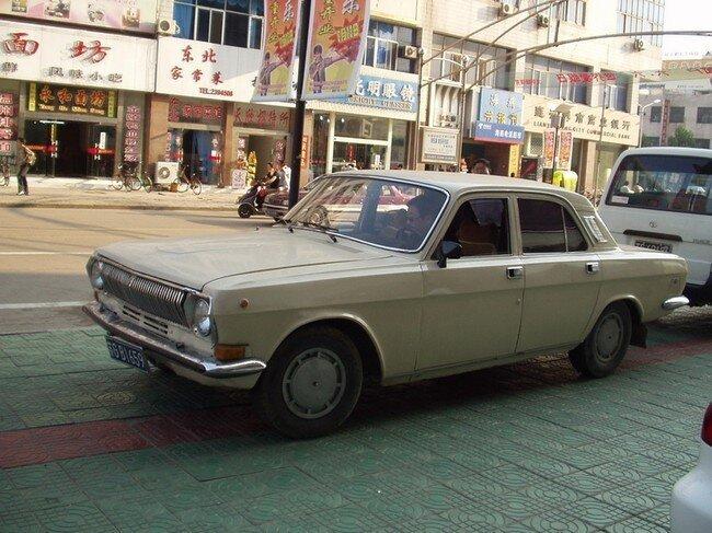 Российские и советские автомобили за рубежом (65 фото)